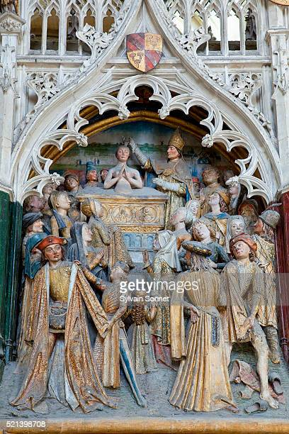 detail of tomb of saint firmin at notre-dame d'amiens cathedral - 殉教者 ストックフォトと画像