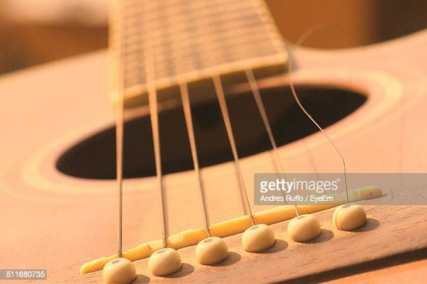 detail shot of guitar - andres ruffo stock pictures, royalty-free photos & images
