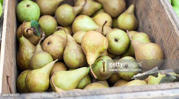 detail shot of pears - pear stock pictures, royalty-free photos & images