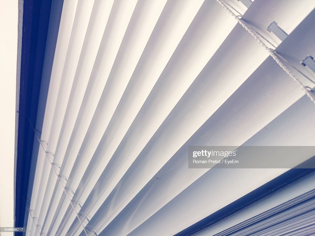 Detail Shot Of White Blinds : Stock-Foto