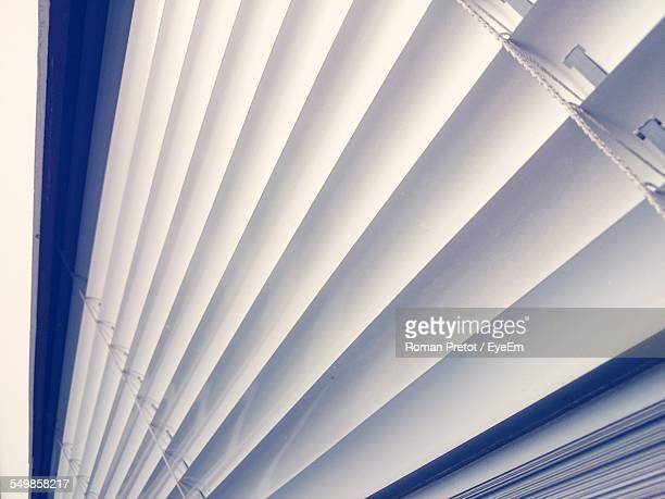 detail shot of white blinds - roman pretot stock-fotos und bilder