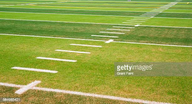 detail view football field - campo de fútbol americano fotografías e imágenes de stock