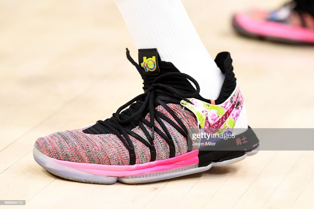pretty nice 2c0d8 cf02e A detail view of the Nike KD 10 sneakers worn my Kevin ...