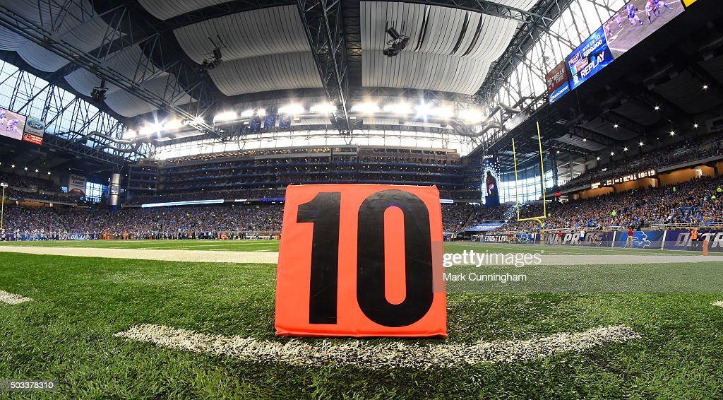 A detailed view of a 10 yard marker on the sidelines during the game between the Detroit Lions and the Oakland Raiders at Ford Field on November 22, 2015 in Detroit, Michigan. The Lions defeated the Raiders 18-13.