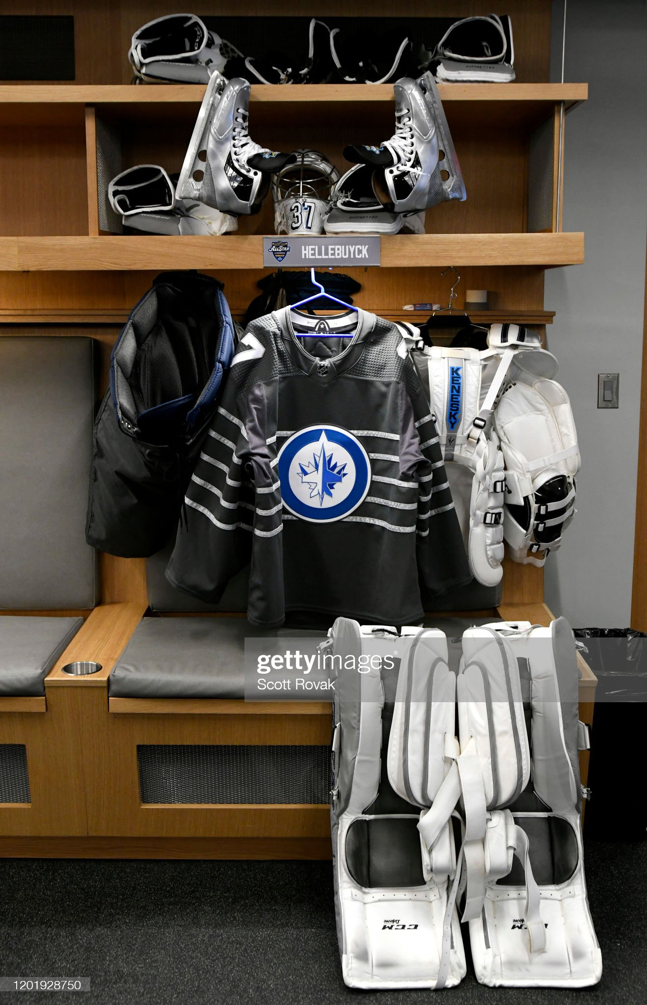 detailed-view-of-the-locker-room-stall-o