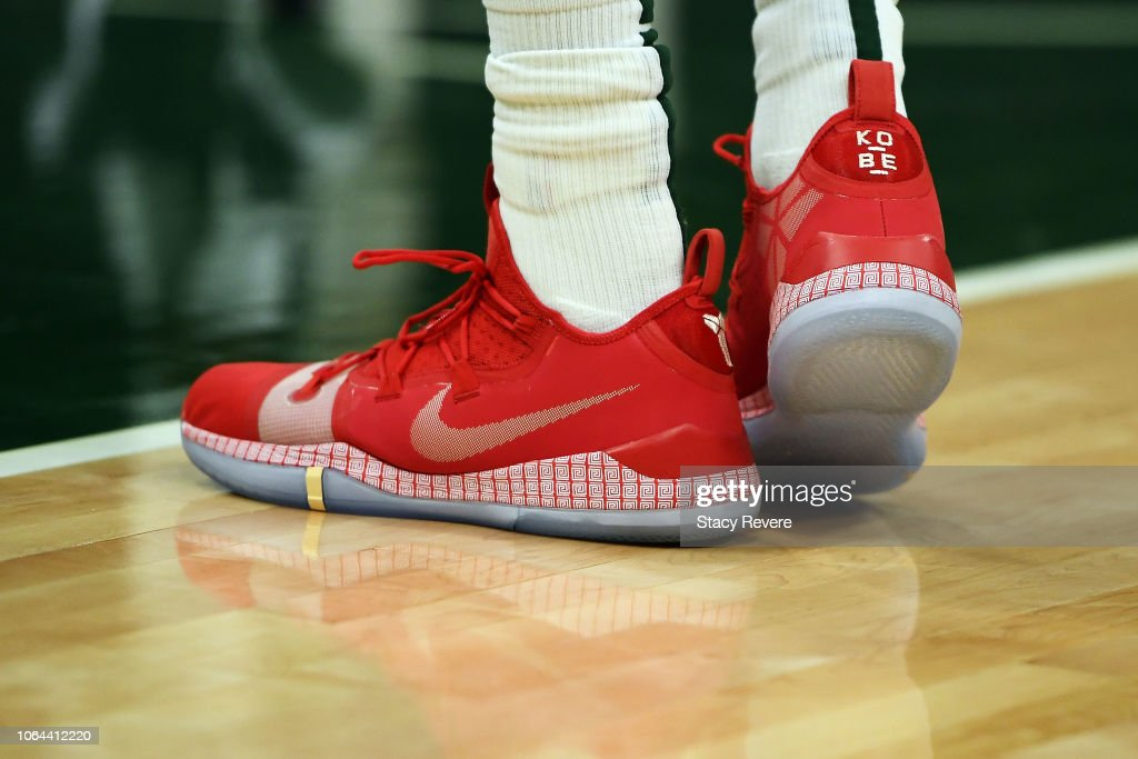 965b8a614246 A detailed view of the Nike sneakers worn by Giannis Antetokounmpo ...