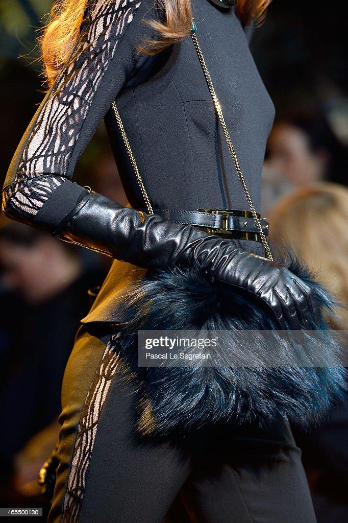 Elie Saab : Runway - Paris Fashion Week Womenswear Fall/Winter 2015/2016 : News Photo