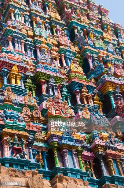 details of meenakshi temple in madurai, tamil nadu, india - dieu hindou photos et images de collection