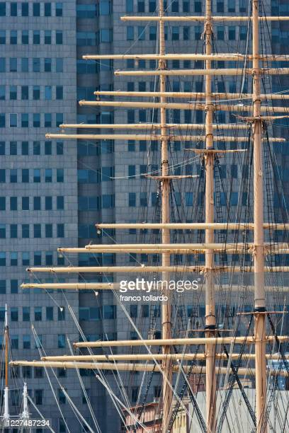 details of the ship on the hudson river - metropolitan museum of art new york city stock pictures, royalty-free photos & images