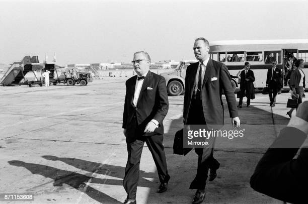 Detective Chief inspector John Hensley and Detective Inspector Jack Slipper leave London airport for Glasgow to bring John Duddy back to London John...