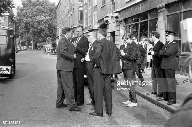 Detective Chief inspector John Hensley and Detective Inspector Jack Slipper during the search for Harry Roberts who is wanted for interview about the...