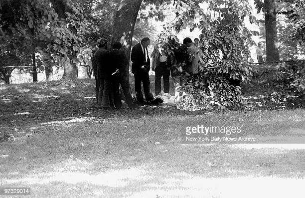 Detectives examine the crime scene in Central Park behind the Metropolitan Museum of Art where the body of eighteenyearold Jennifer Levin was found...