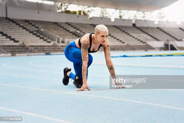 良いスタートを切る決意 - オリンピック選手 ストックフォトと画像
