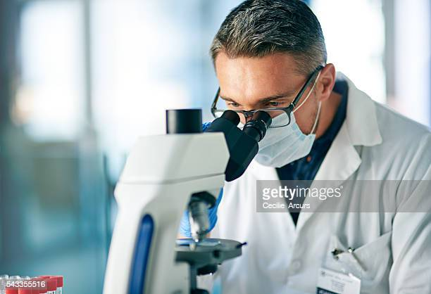 Determining whether the sample is cancerous or non-cancerous