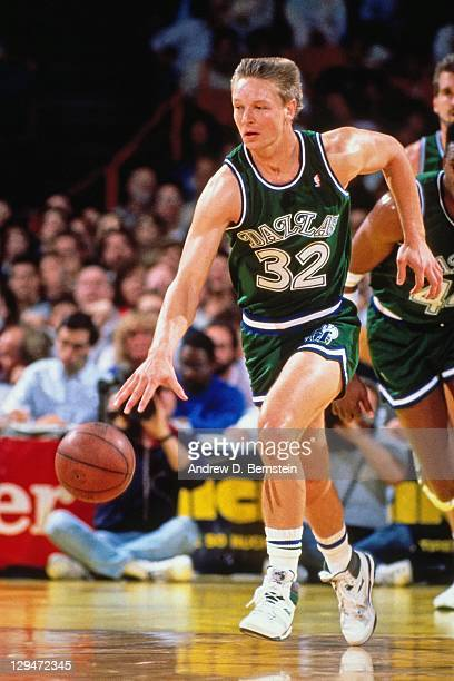Detlef Schrempf of the Dallas Mavericks dribbles against the Los Angeles Lakers circa 1987 at the Great Western Forum in Inglewood California NOTE TO...