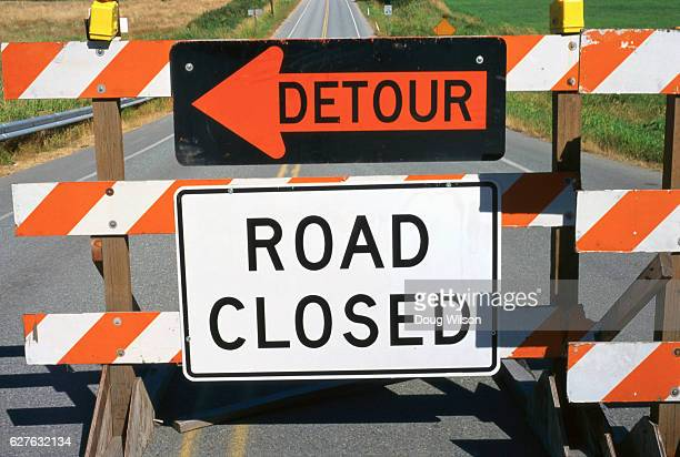 """""""Detour"""" and """"Road Closed"""" Signs"""
