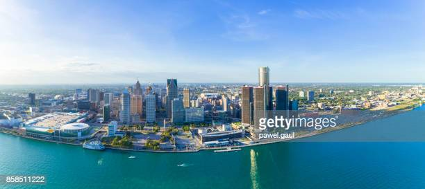detroit aerial panorama - detroit skyline stock pictures, royalty-free photos & images