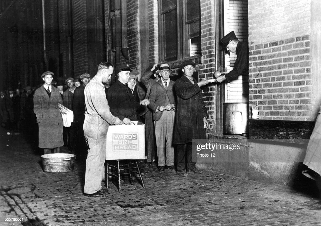Detroit, distribution of bread and soup to unemployed workers : News Photo