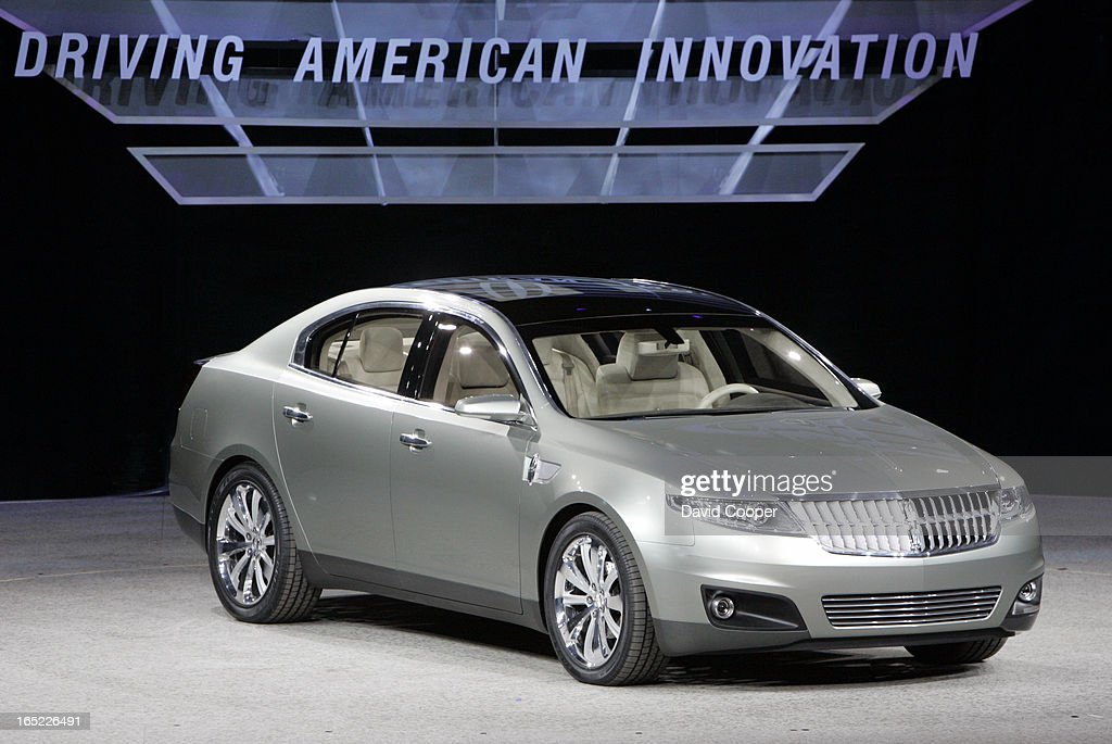 https://media.gettyimages.com/photos/detroit-intro-of-the-lincoln-mks-concept-during-the-monday-press-day-picture-id165226491