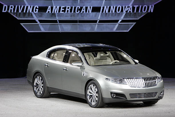 https://media.gettyimages.com/photos/detroit-intro-of-the-lincoln-mks-concept-during-the-monday-press-day-picture-id165226491?k=6&m=165226491&s=612x612&w=0&h=0JHQC0GFQXeVzR0IBa8RwiC7itSXvhoKA3SR1HctVuc=