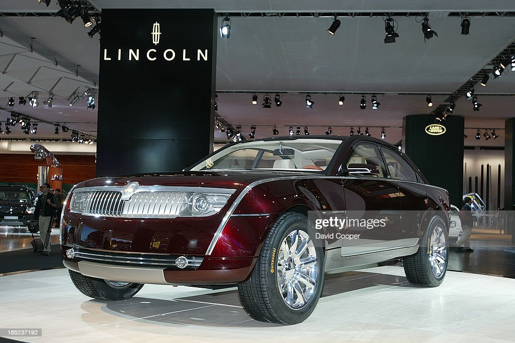 https://media.gettyimages.com/photos/detroit-lincoln-navicross-at-the-north-american-internatioonal-auto-picture-id165237192