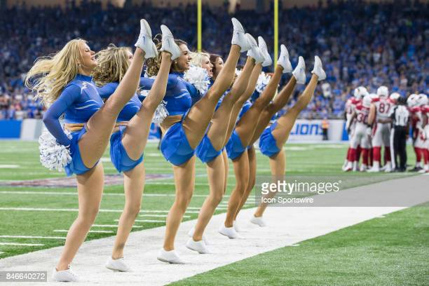 the lions cheerleaders come - photo #32