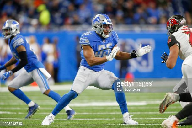 Detroit Lions defensive end Romeo Okwara rushes during a regular season game between the Tampa Bay Buccaneers and the Detroit Lions on December 15,...