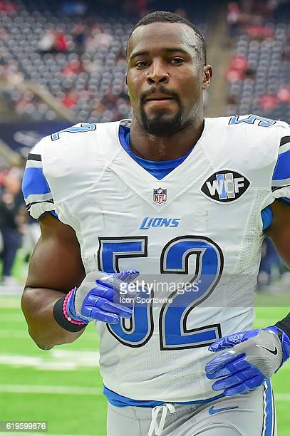 Detroit Lions Linebacker Antwione Williams heads for the locker room before the the NFL football game between the Detroit Lions and Houston Texans on...