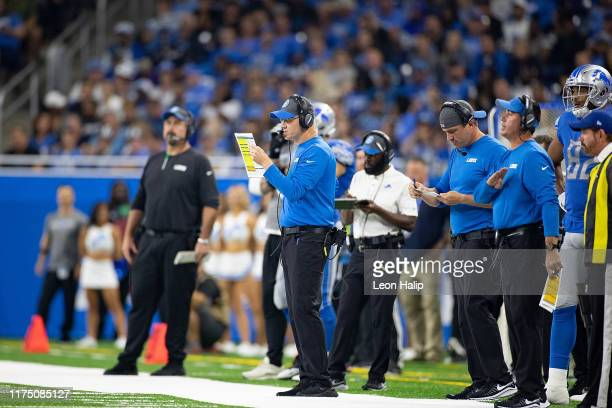 Detroit Lions Offensive Coordinator Darrell Bevell calls the play from the sidelines during the fourth quarter of the game against the Los Angeles...