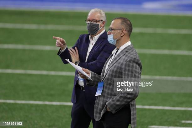 Detroit Lions president and CEO Rod Wood speaks with Chris Spielman prior to a game against the Tampa Bay Buccaneers at Ford Field on December 26,...