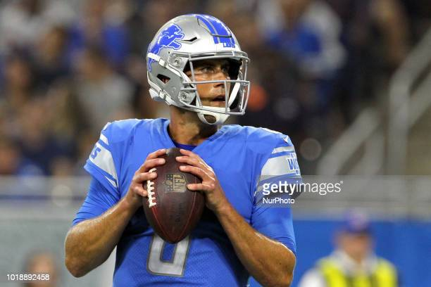 Detroit Lions quarterback Matt Cassel looks to throw the ball during the second half of an NFL football game against the New York Giants in Detroit...