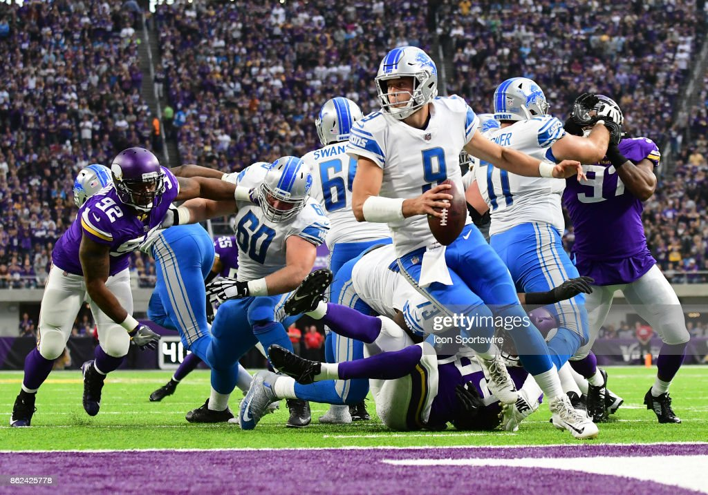 Detroit Lions quarterback Matthew Stafford (9) scrambles during a NFL game between the Minnesota Vikings and Detroit Lions on October 1, 2017 at U.S. Bank Stadium in Minneapolis, MN. The Lions defeated the Vikings 14-7.