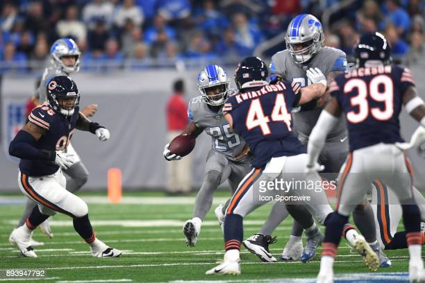 Detroit Lions running back Theo Riddick gains yardage against the Chicago Bears during a game between the Chicago Bears and the Detroit Lions on...