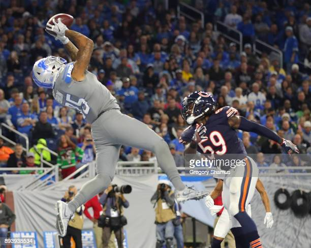 Detroit Lions tight end Eric Ebron catches a touchdown pass over Chicago Bears inside linebacker Danny Trevathan during the third quarter at Ford...