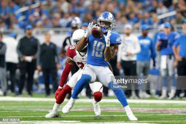 Detroit Lions wide receiver Kenny Golladay catches a pass during the first half of an NFL football game against the Arizona Cardinals in Detroit...