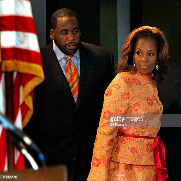 Detroit Mayor Kwame Kilpatrick and his wife Carlita enter a room filled with news media where Kilpatrick read a statement September 4 2008 at his...