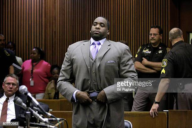 Detroit Mayor Kwame Kilpatrick appears before Judge Thomas Jackson for an emergency appeal heaing in Wayne County Circuit Court August 8 2008 in...