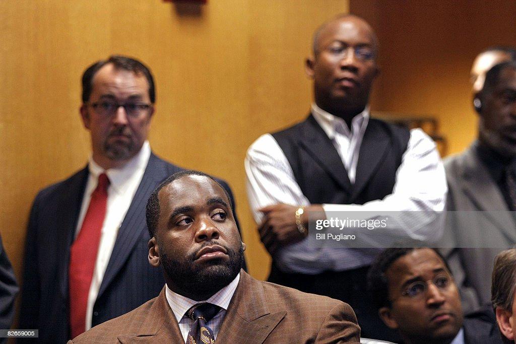 Detroit Mayor Kwame Kilpatrick appears in Wayne County Circuit Court