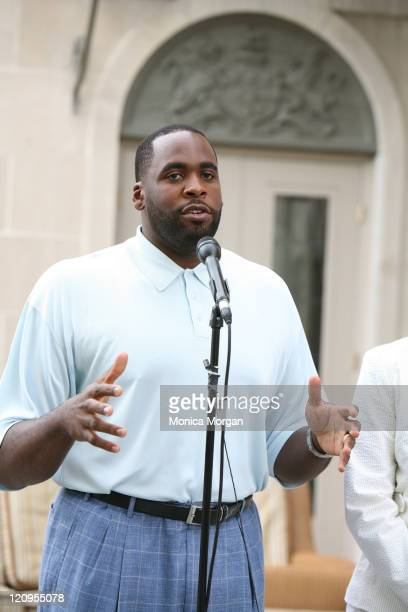 Detroit Mayor Kwame Kilpatrick at the Mayor's residence Manoogian Mansion speaking regarding his bout with Diverticulitis which attacked him in...
