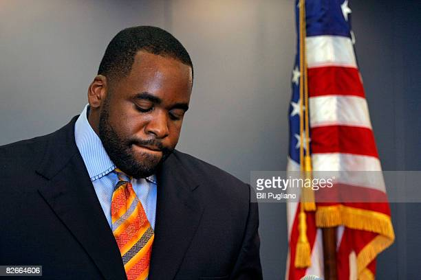 Detroit Mayor Kwame Kilpatrick reads a statement September 4 2008 at his office in Detroit Michigan Kilpatrick has accepted a deal in the text...