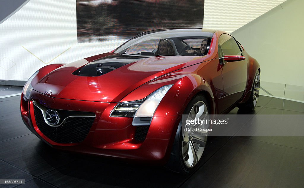 https://media.gettyimages.com/photos/detroit-mazda-kabura-concept-in-the-mazda-area-during-the-tuesday-picture-id165226744