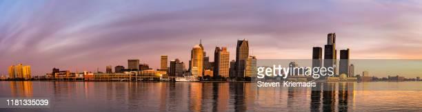 detroit, michigan - dawn panorama - detroit michigan stock pictures, royalty-free photos & images