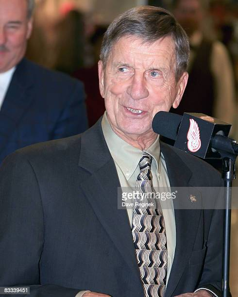 Detroit Red Wing Hall of Famer Ted Lindsay speaks to the crowd after the unvailing of the statue in his honor in the concorse at Joe Louis Arena...