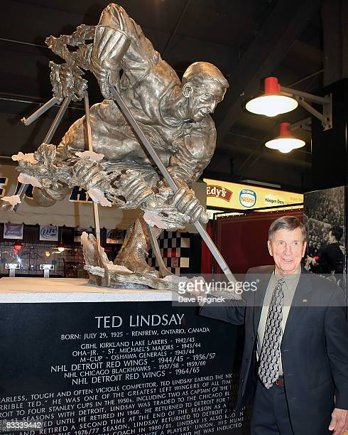 Detroit Red Wing Hall of Famer Ted Lindsay stands for a pictuer after the unvailing of the statue in his honor in the concorse at Joe Louis Arena...