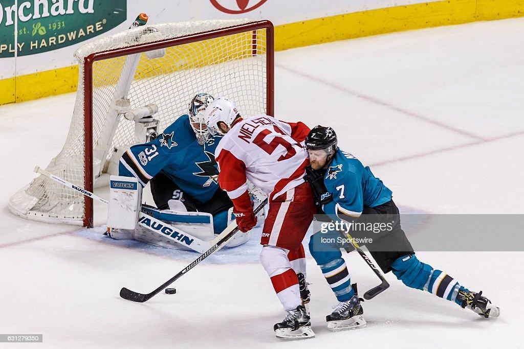 NHL: JAN 07 Red Wings at Sharks : News Photo