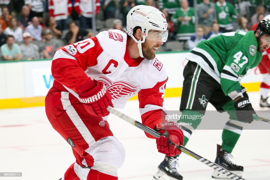 Detroit Red Wings Center Henrik Zetterberg (40) during the NHL game between the Detroit Red Wings and Dallas Stars on October 10, 2017 at the American Airlines Center in Dallas, TX.