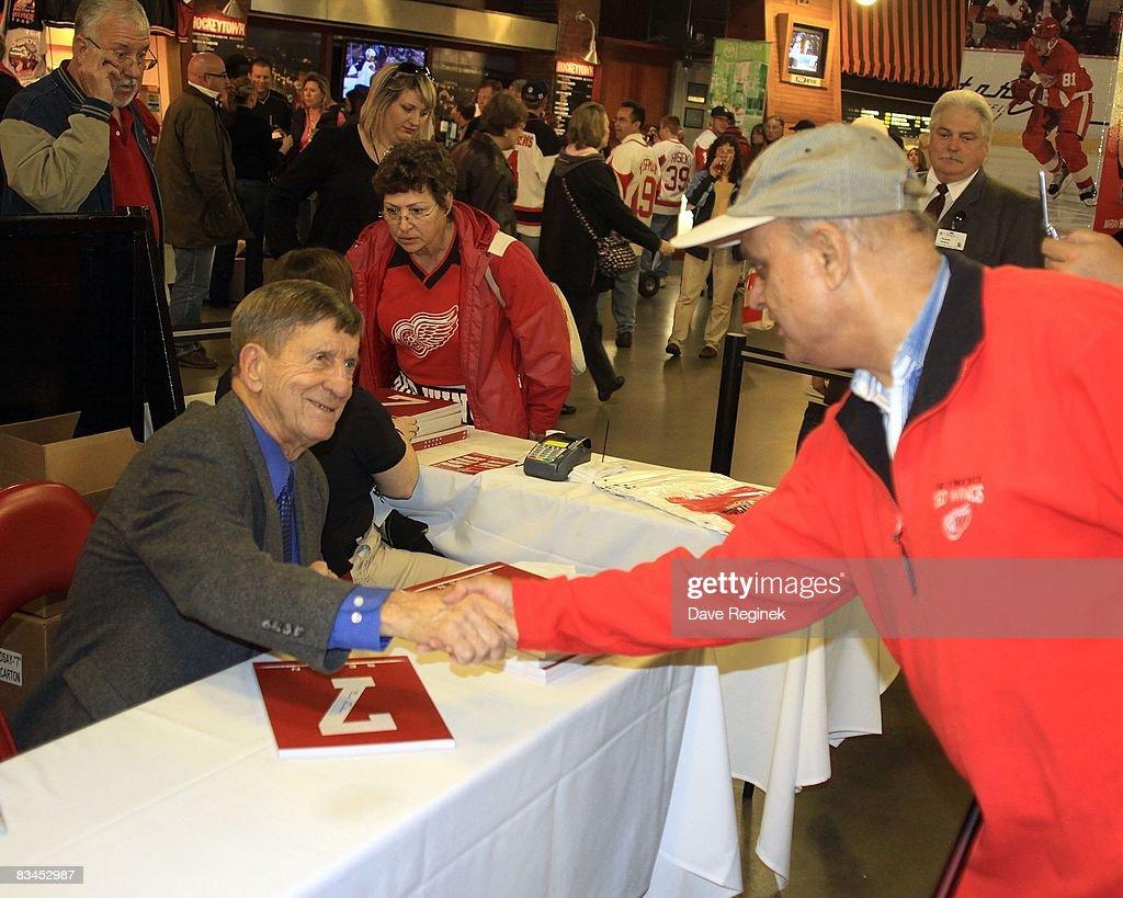 Atlanta Thrashers v Detroit Red Wings : News Photo