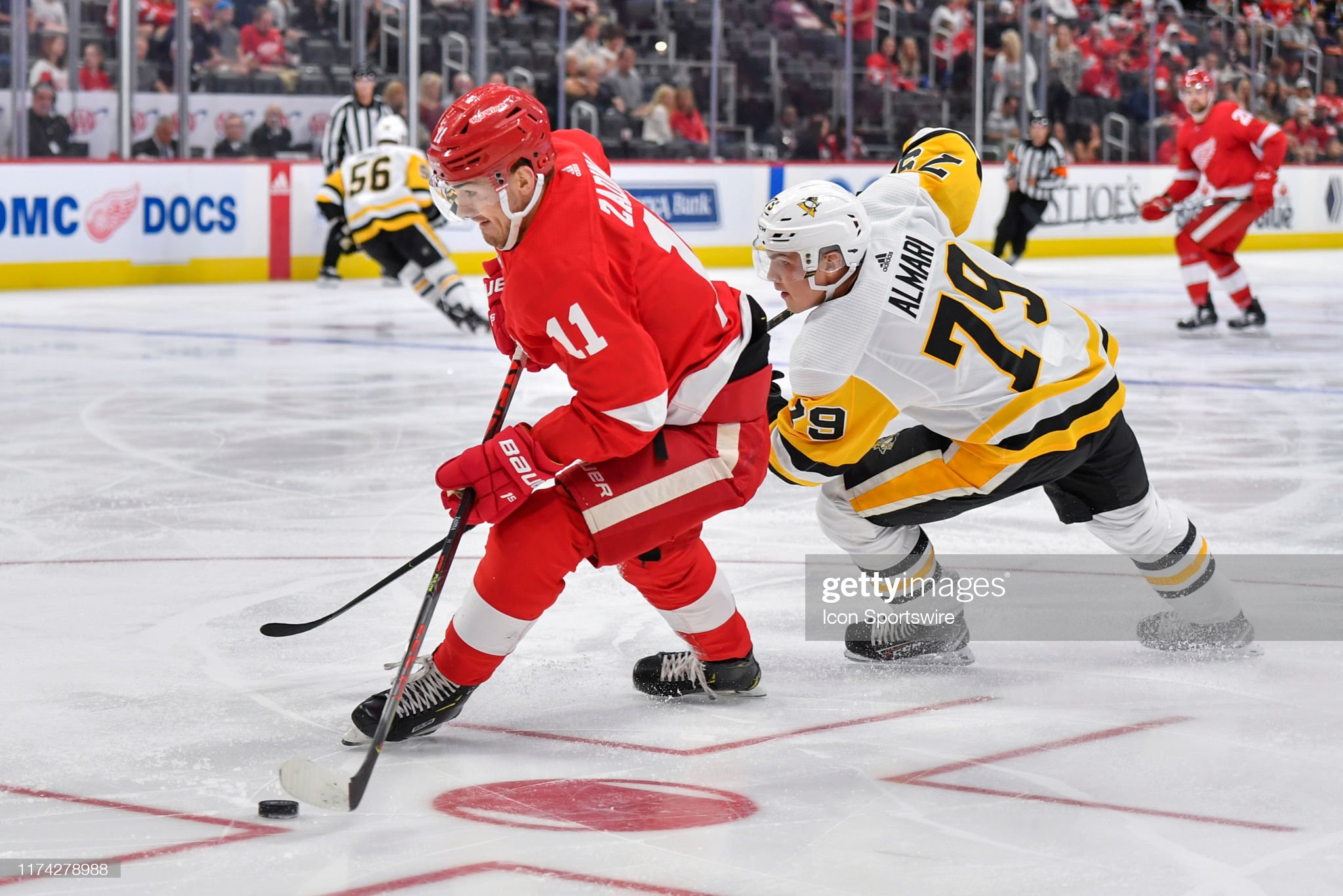 NHL: SEP 22 Preseason - Penguins at Red Wings : News Photo