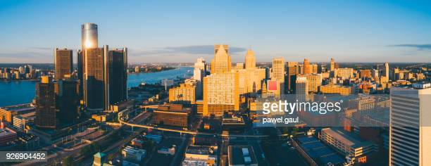 detroit skyline aerial - detroit river stock photos and pictures