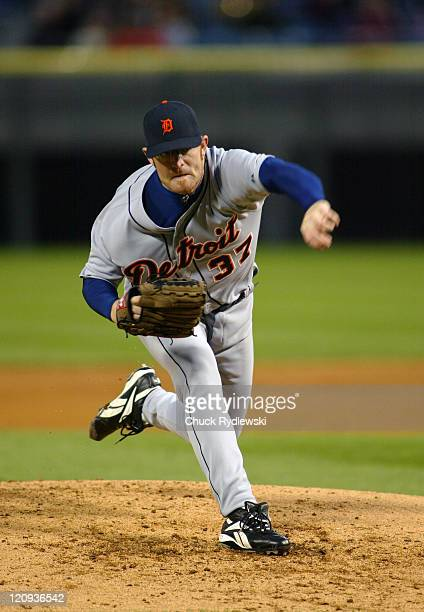 Detroit Tigers starting pitcher, Nate Robertson, pitches to the Chicago White Sox during the game April 29, 2005 at U.S. Cellular Field in Chicago,...